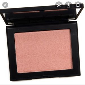 NWT NARS Highlighting Powder in Maldives